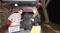 Hacer karaoke dj con música envasada